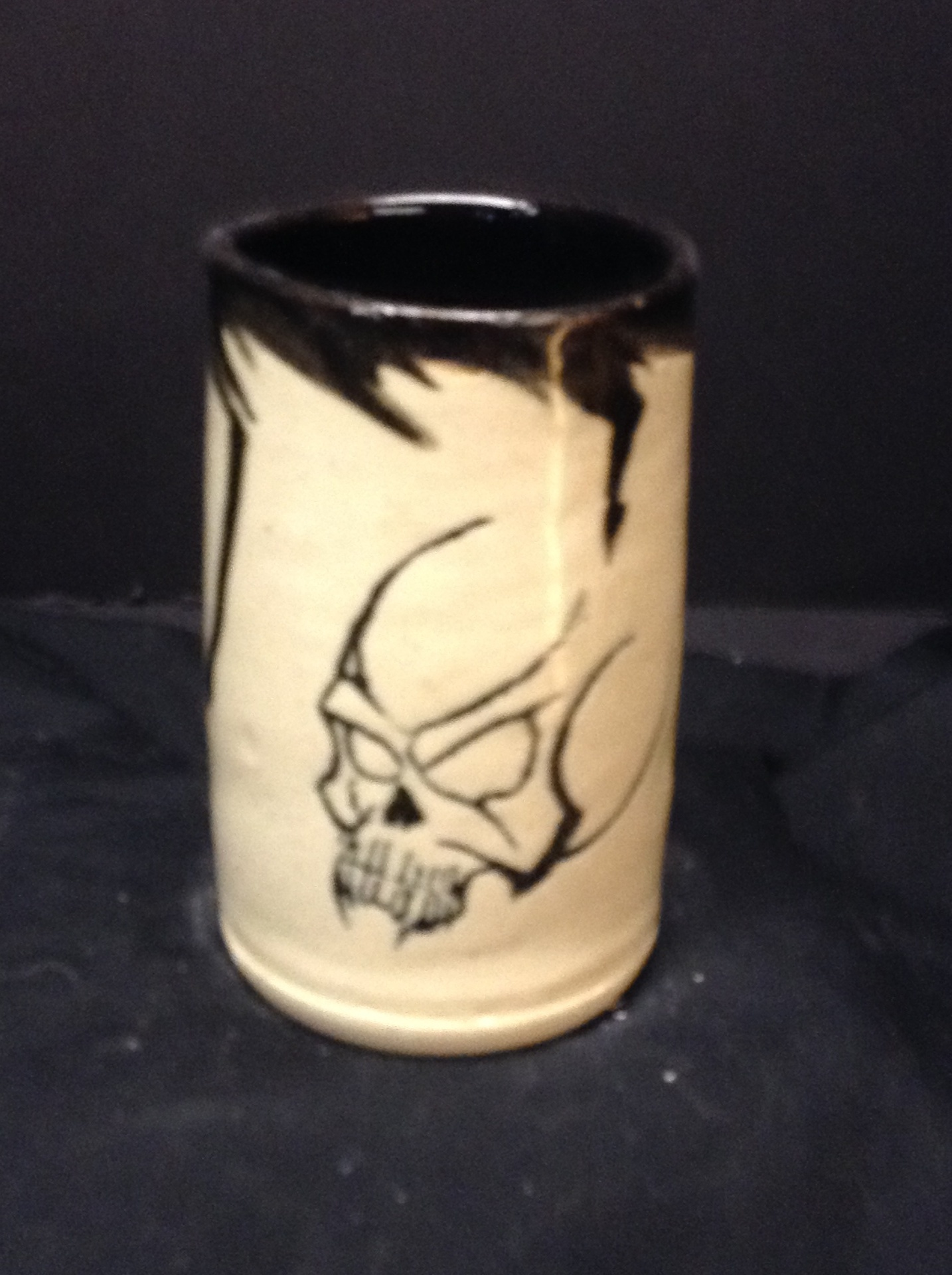 Stoneware Cup - Skull